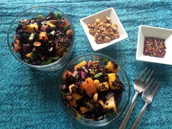 Black Rice Salad with Mango and Peanuts – Vegangela
