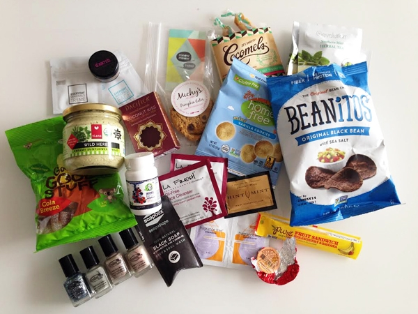 Vegan Cuts - Beauty Box and Snack Box, December 2013